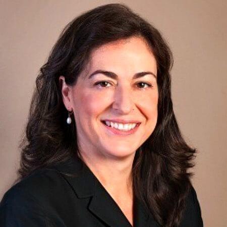 Portrait photo of Deb Gross