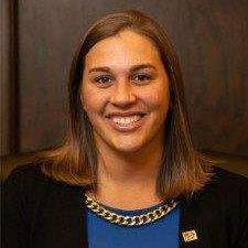 Portrait photo of Bethany Hallam